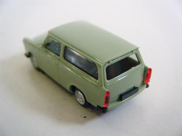 旧東独トラバント(ステーションワゴン)ミニカー